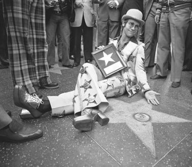 hollywood walk stars_elton john_001