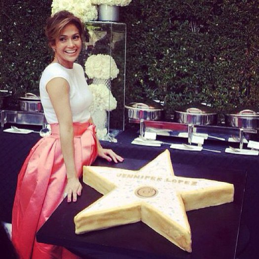 Jennifer-Lopez-celebrated-her-star-Hollywood-Walk-Fame